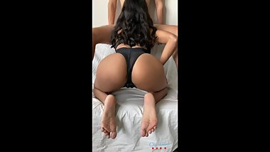 Beautiful Indian babe gets filmed on iPhone - amateur Chi Girl