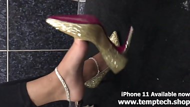Indian feet with anklets and gold pumps with pink sole - Foot Fetish