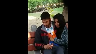 Indian sexy hot couple openly Fucking in the public park