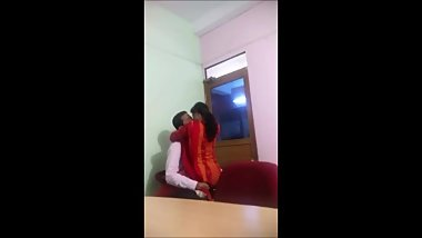 BENGALI HOT COUPLES AFTER OFFICE HOUR SCANDAL